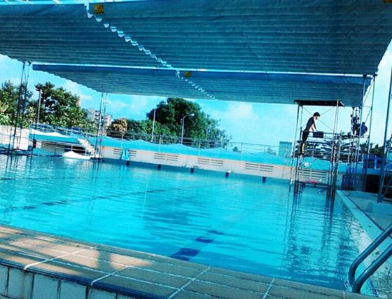 lắp đặt mái xếp bể bơi